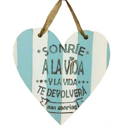 Corazón de madera con frase bonita